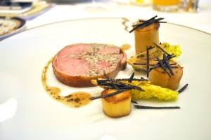 Selle d'agneau du Limousin farcie, pomme de terre confite et truffe noire de Tasmanie