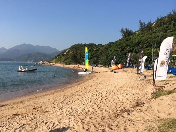 To Tei Wan beach is accessible only via watercraft/paddle board or through Hong Kong Trail Section 7