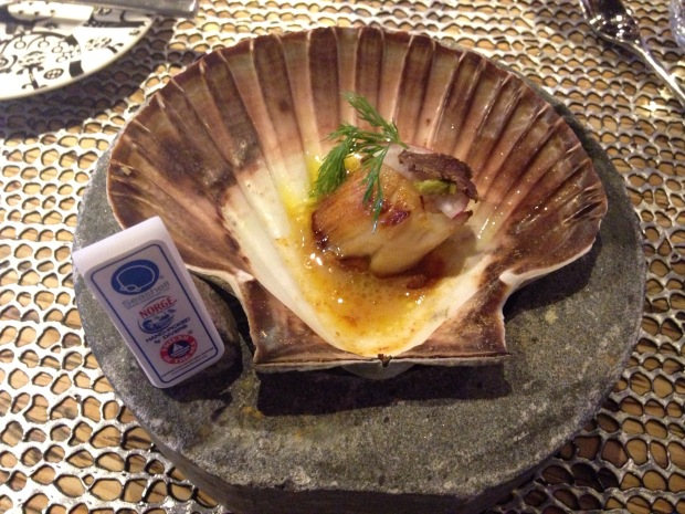DIVER SCALLOP SEASONED WITH ITS DRIED ROE: Spruce Shoots, Reindeer Chips